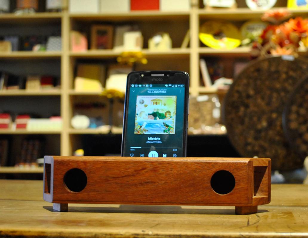 amplificador natural em madeira