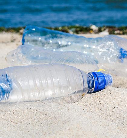 embalagem plastica descartada
